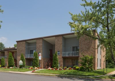 Exterior of Kingswick Apartments in West Deptford, NJ