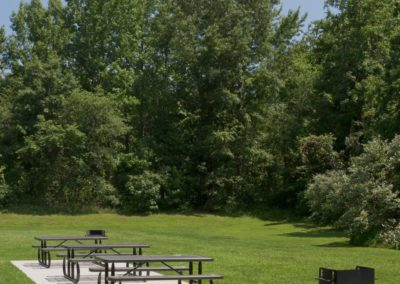 Picnic Area at West Deptford, NJ apartment with picnic tables and Grill